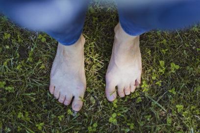 Earthing – et si vous marchiez pieds nus ?